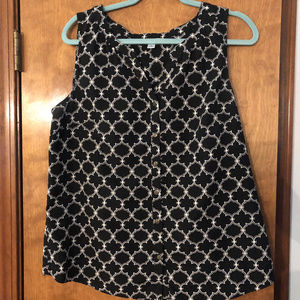 Croft&Barrow B&W Pattern Sleeveless Top